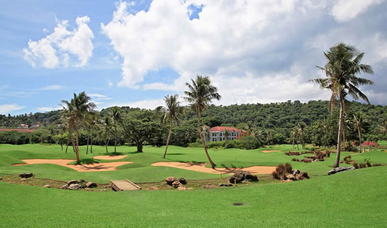 Golfing in a Tropical Paradise - The Philippines