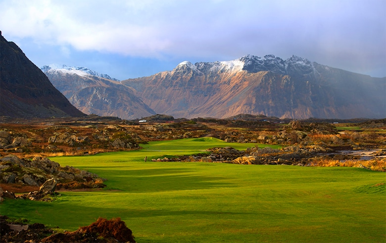 Golfers get chance to sleep under Northern Lights as Lofoten Links opens luxury lodgings