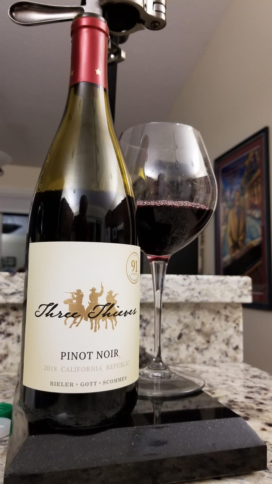 $17.95 - Three Thieves Pinot Noir 2018